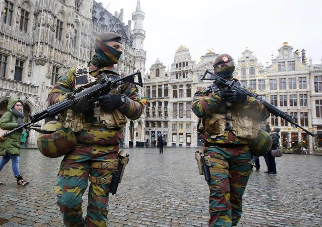 La Belgique prolonge la présence des militaires dans la rue jusqu'en mars