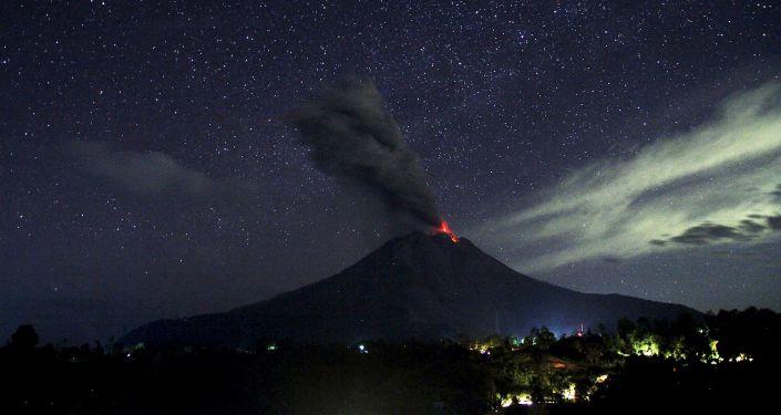 Éruption du volcan indonésien Sinabung