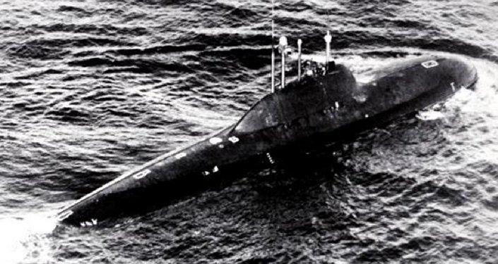 Le sous-marin soviétique nucléaire du projet 705 Lira