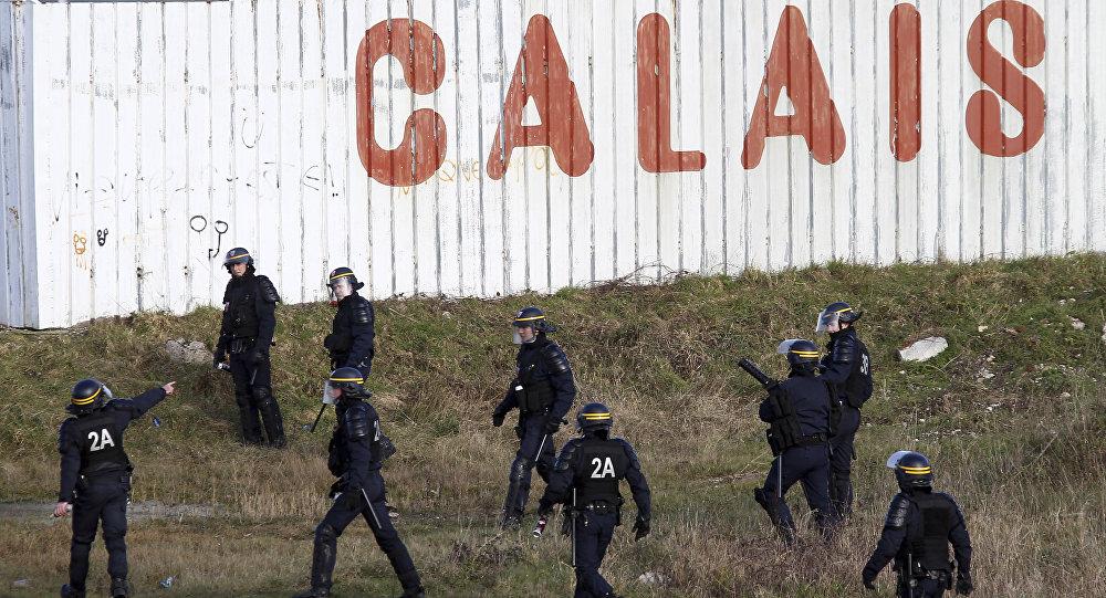 La police française dans la ville de Calais