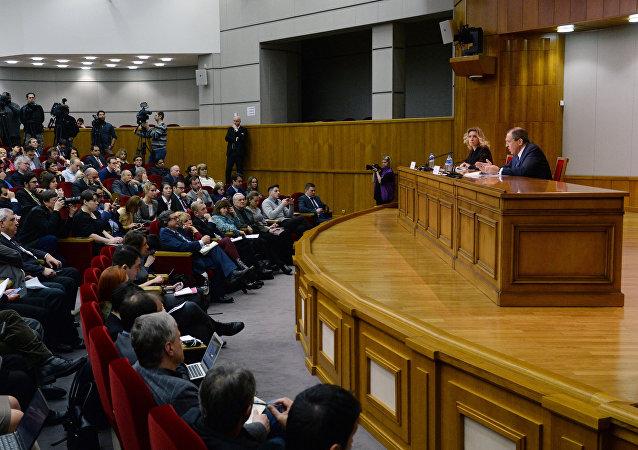 Conférence de presse du ministre russe des Affaires étrangères Sergueï Lavrov