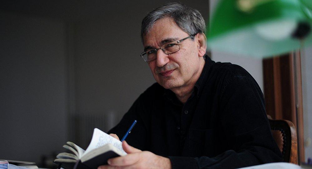 Le lauréat du prix Nobel et écrivain turc mondialement connu Orhan Pamuk