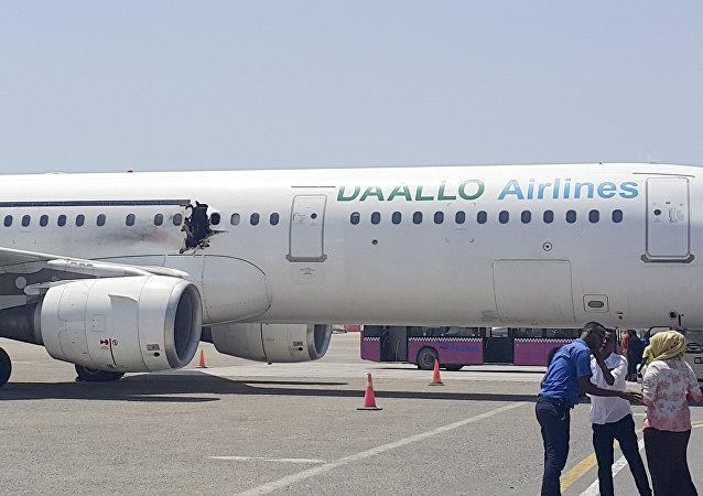 Un Airbus A321 endommagé par une explosion  à l'aéroport de Mogadiscio