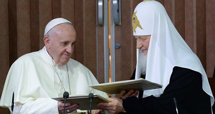La rencontre historique entre le Pape et le Patriarche