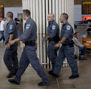 Police israélienne à l'aéroport Ben Gurion