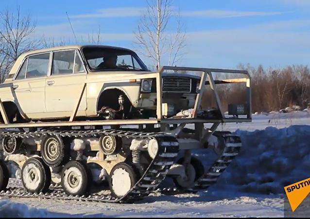 Un russe a transformé sa voiture Lada en un char