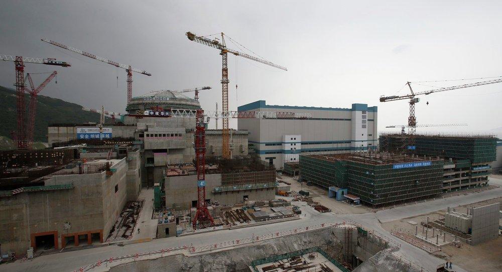 Un réacteur nucléaire et des installations supplémentaires en construction qui représentent une partie de la centrale nucléaire de Taishan, dans la province du Guangdong