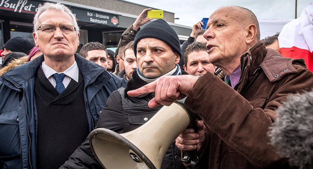 Manifestation organisée par Pegida France, le 6 février 2016, à Calais