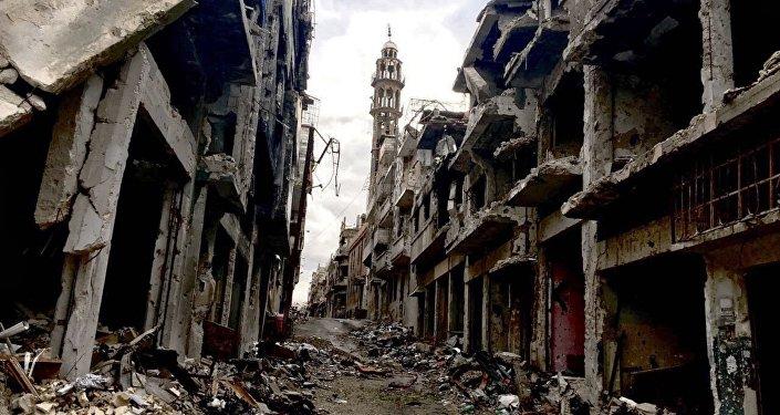 Des militaires russes distribuent 1,5 t d'aide humanitaire dans la province de Homs
