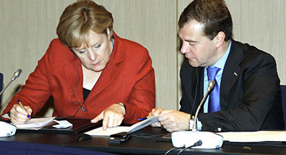 La conférence de presse Medvedev-Merkel