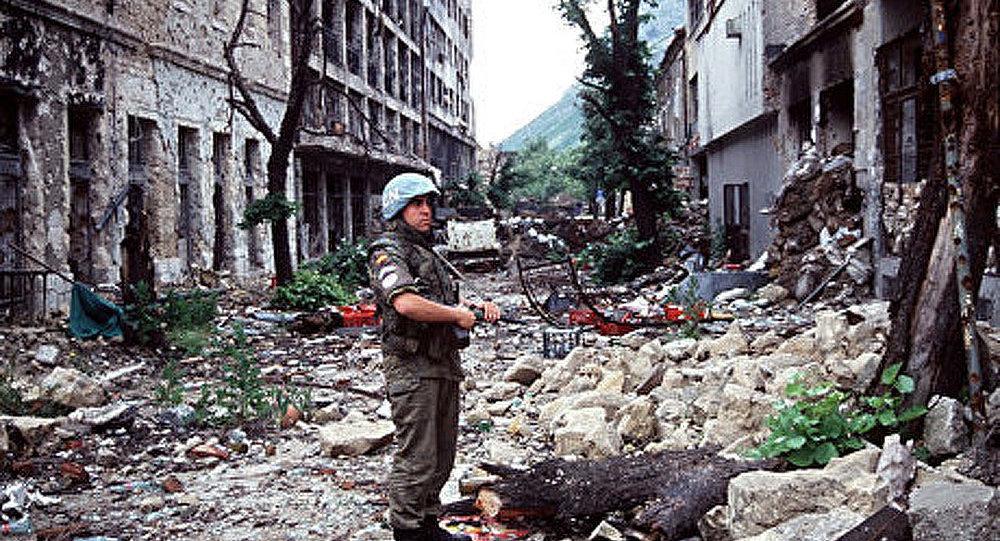 Un long écho des bombardements de la Bosnie
