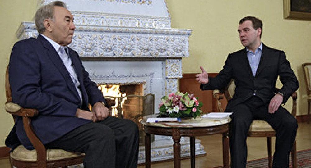 La Russie-le Kazakhstan : les relations suivent une courbe ascendante