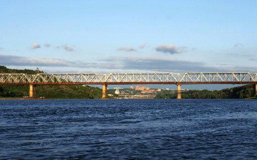 Le Transsibérien, qui relie Moscou à Vladivostok, est la voie ferrée la plus longue du monde (presque 10 000 km).