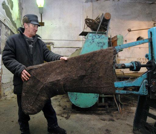 Au 19e siècle, la fabrication de bottes de feutre est devenue une industrie.