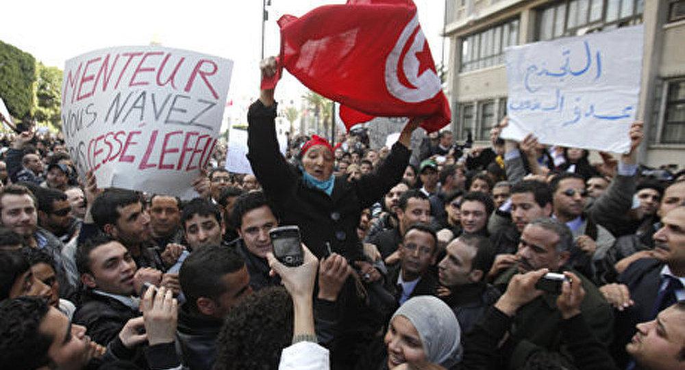 Des meetings de masse se poursuivaient mercredi en Tunisie