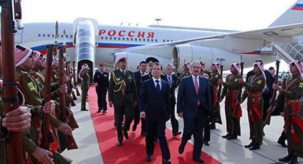Medvedev satisfait de sa tournée au Proche-Orient