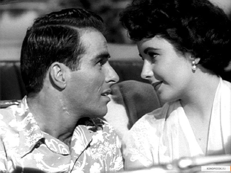 Elle a reçu deux Oscars pour ses rôles dans La Vénus au vison (1960) et Qui a peur de Virginia Woolf (1966).