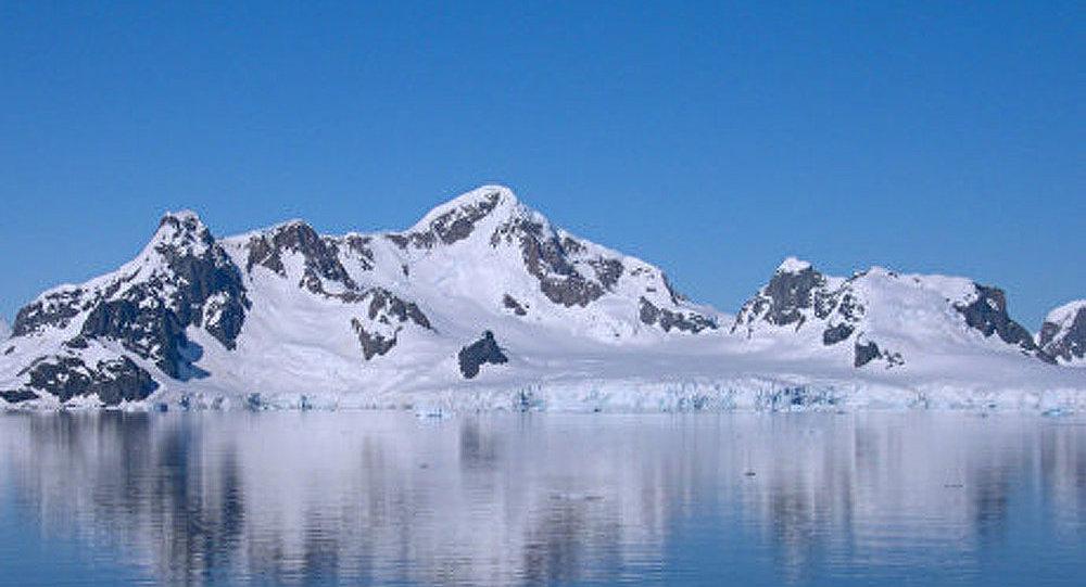 Arctique comme territoire des découvertes