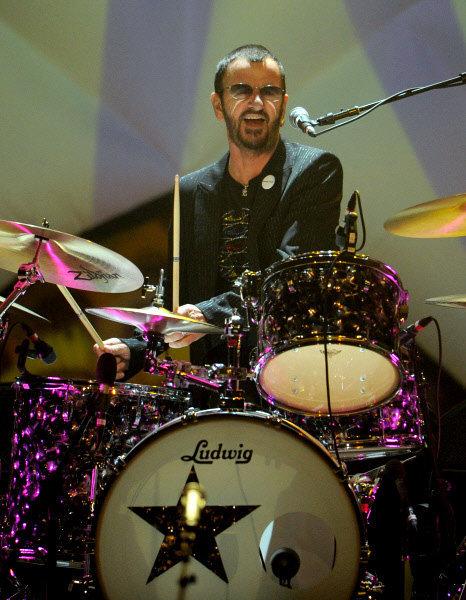 Ringo Starr, l'ex-batteur des Beatles, a donné à Moscou son premier concert depuis 13 ans.