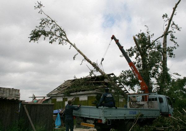 Les autorités de Blagovechtchensk ont imposé l'état d'urgence à la suite de la tornade.