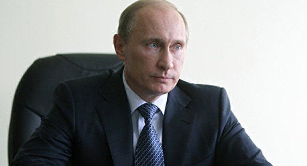 Poutine sélectionné pour le prix chinois Confucius
