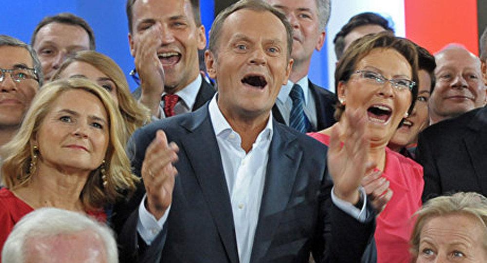 Législatives en Pologne: Tusk est donné gagnant