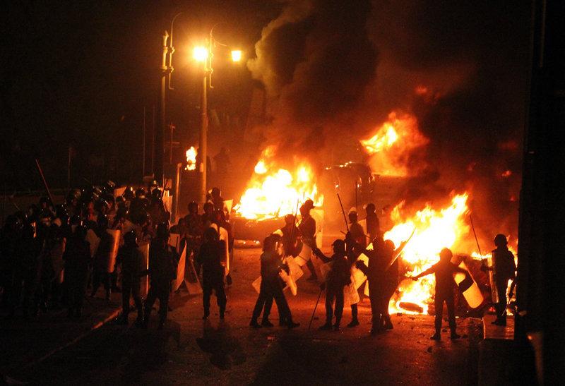 Le centre-ville du Caire, la capitale de l'Egypte, a été le théâtre d'affrontements violents entre des manifestants et les forces de l'ordre.