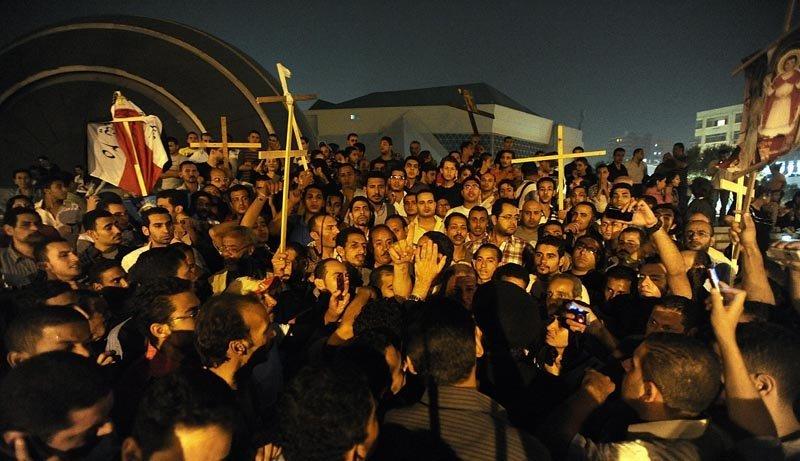 Les coptes, qui représentent de 6 à 10 % des Égyptiens, s'estiment discriminés dans une société en grande majorité musulmane.