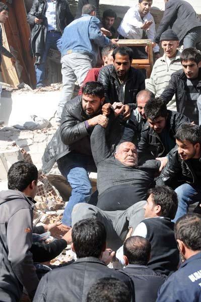 L'armée participe à la liquidation des conséquences du séisme
