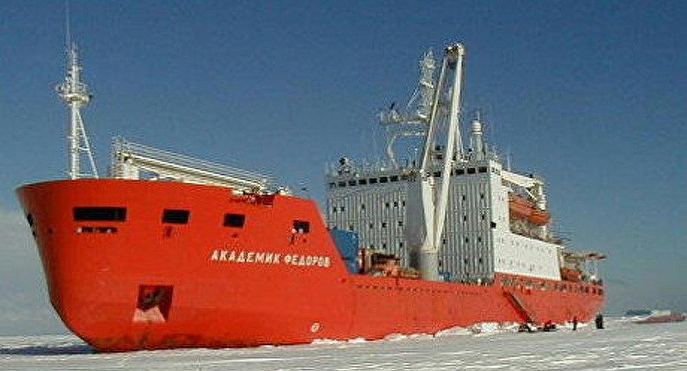 Académicien Fedorov à destination de l'Antarctique