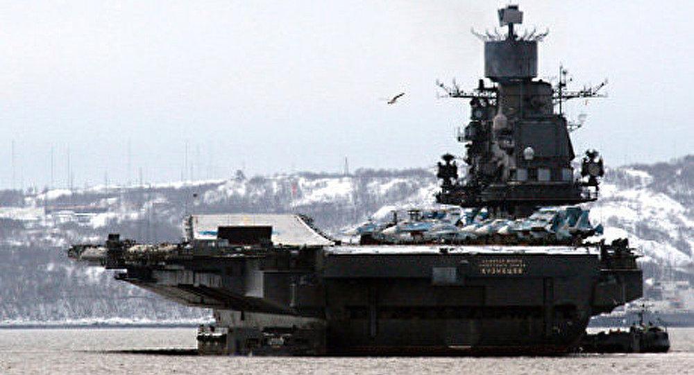 Amiral Vyssotski inspectera une escadre