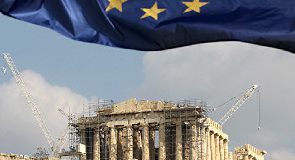 La Grèce adopte son budget de rigueur pour 2012