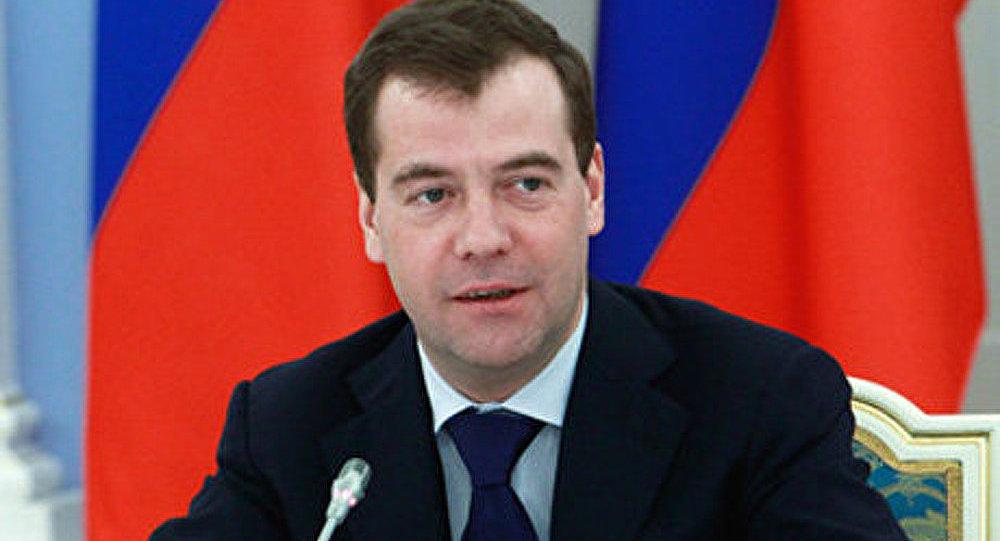 Medvedev: sans-parti durant le mandat présidentiel