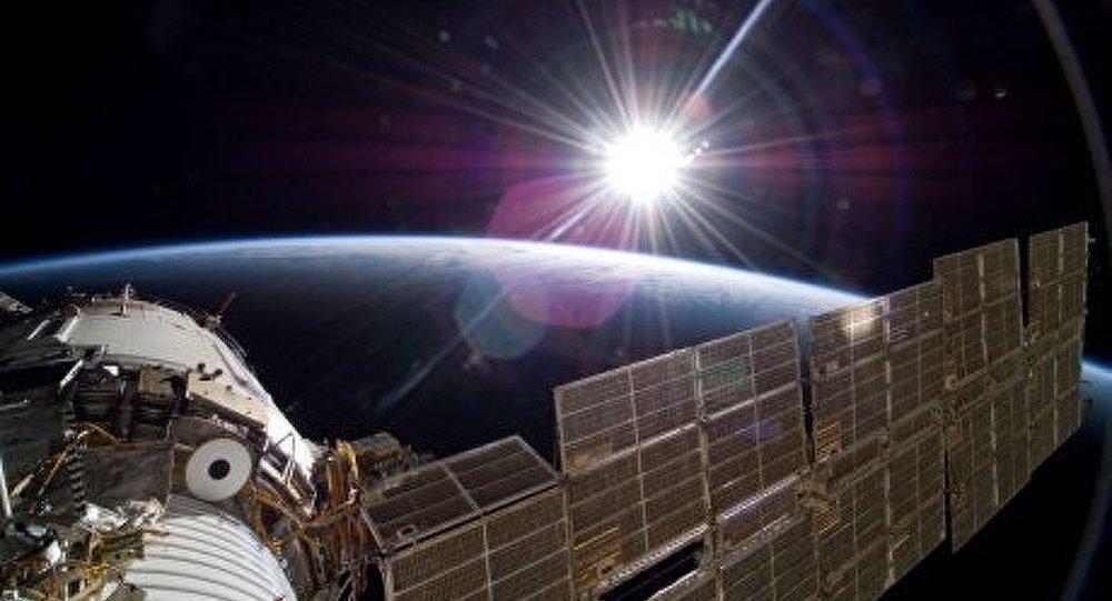 ISS: un russe va aux champignons dans le module Zaria
