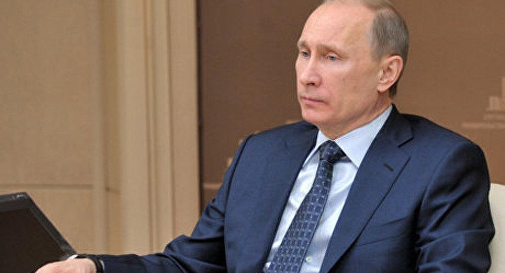 Poutine évoque les problèmes sociaux
