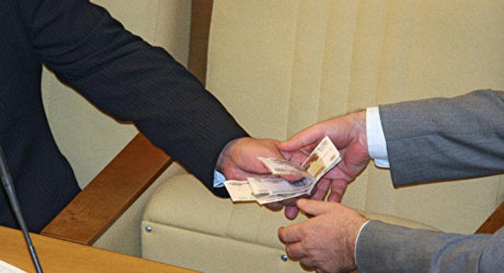 Corruption : les fonctionnaires obligés de déclarer leurs dépenses