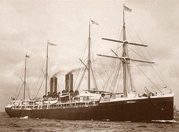 Le 4 juillet 1898, le paquebot français La Bourgogne entre en collision dans un brouillard très dense avec le voilier Cromartyshire. L'accident entraîna la mort de 561 personnes, ce qui en fait la pire catastrophe de toute l'histoire de la Compagnie Générale Transatlantique.