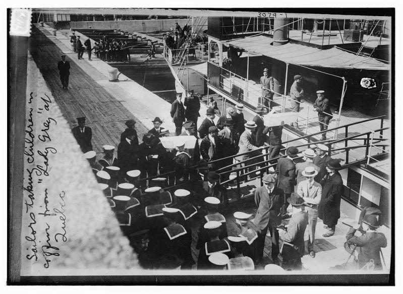 Le 29 mai 1914, le paquebot canadien Empress of Ireland fait naufrage dans l'estuaire du fleuve Saint-Laurent, près de Rimouski. Avec 1 012 victimes parmi les 1 477 personnes à son bord, il constitue le plus grand naufrage survenu au Canada et se classe parmi les plus grands naufrages du début du XXe siècle.