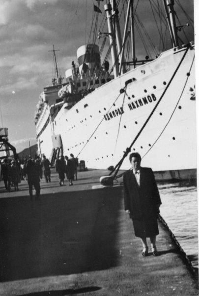 Le 31 août 1986, le bateau de croisière soviétique Admiral Nakhimov, heurté par un cargo céréalier soviétique, coule en Mer Noire au large du port de Novorossisk. Des 1 259 personnes à bord, 423 sont mortes.