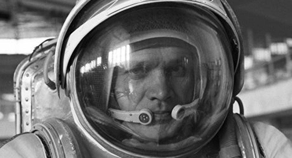 Vladimir Janibekov qui a fait 5 vols dans l'espace fête son 70ème anniversaire