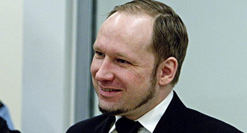 Breivik exige de lever l'interdiction de retransmettre ses interventions