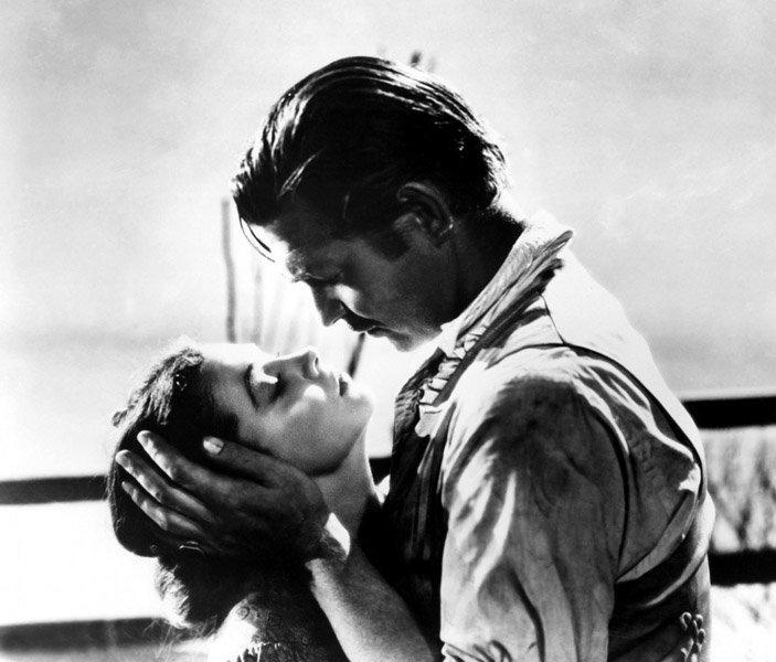 Le baiser de Vivien Leigh et Clark Gable dans Autant en emporte le vent est devenu classique.