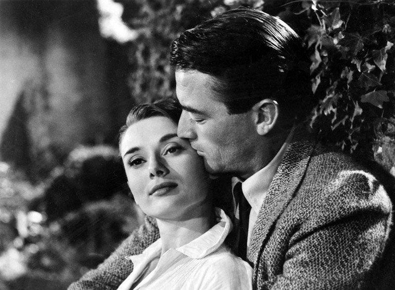 Sur la photo : Audrey Hepburn et Gregory Peck dans le film Vacances romaines.