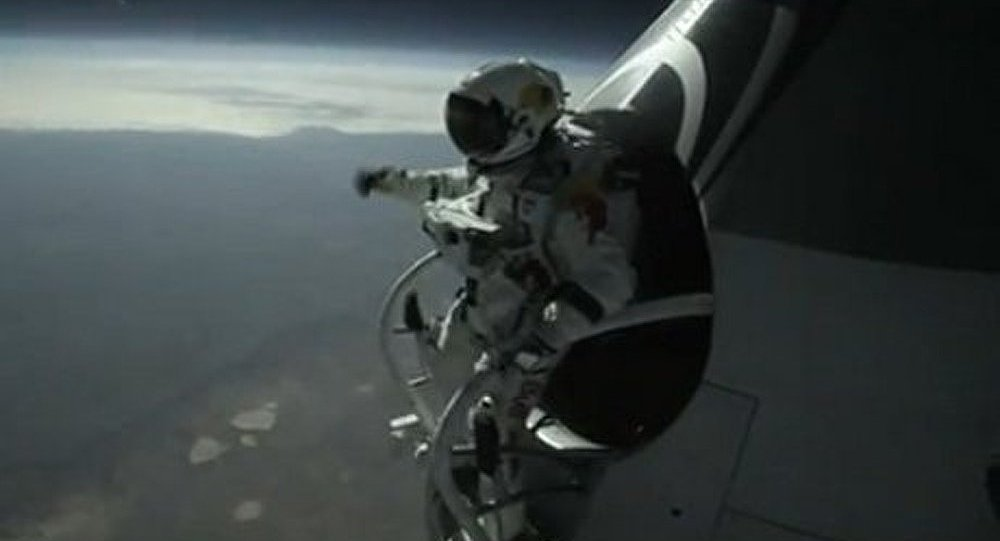 Un Autrichien saute d'une altitude de 29 kms
