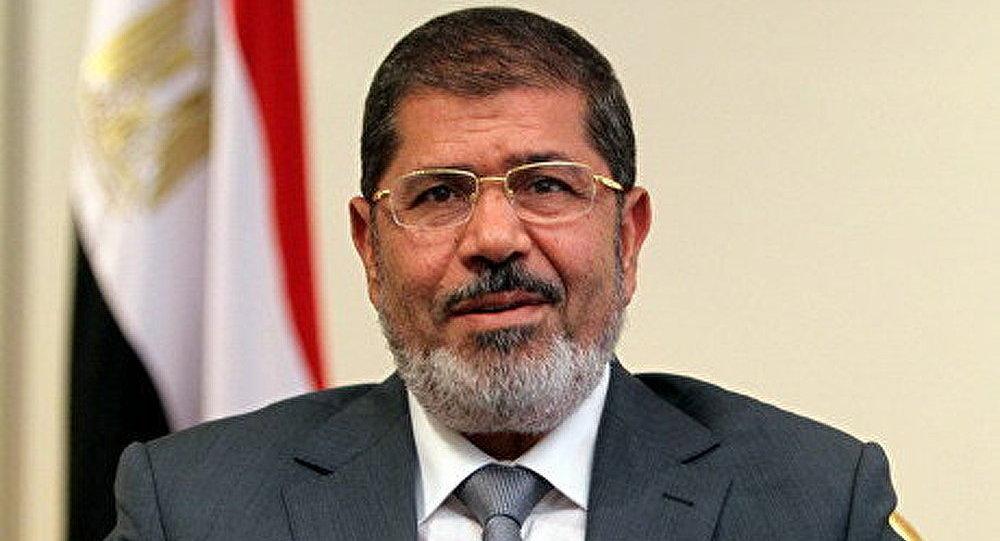 La Syrie nomme le président égyptien Moubarak le barbu