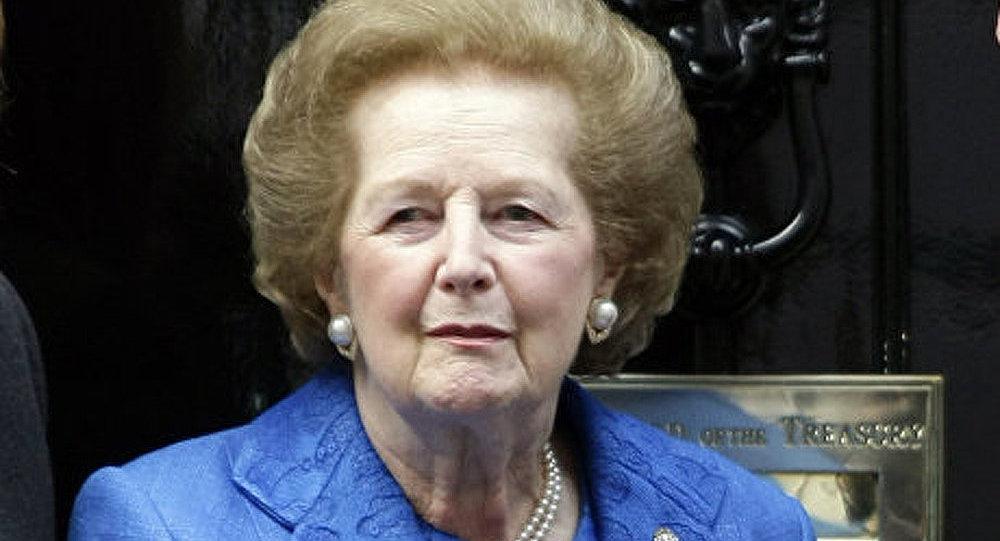 Un costume de Margaret Thatcher vendu aux enchères pour 25 000 £