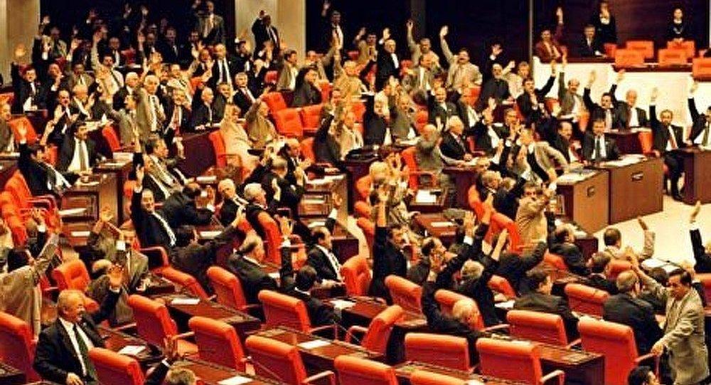 Le parlement de Turquie autorise une opération militaire en Syrie