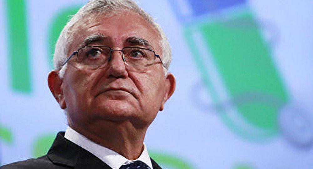 Démission d'un commissaire européen accusé de fraudes