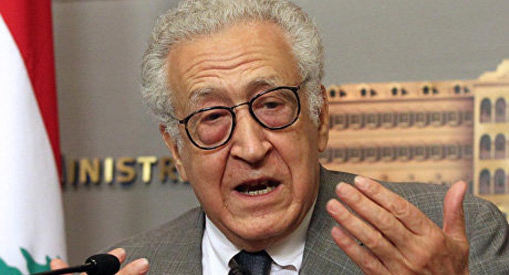 Brahimi tente de négocier un cessez-le-feu en Syrie