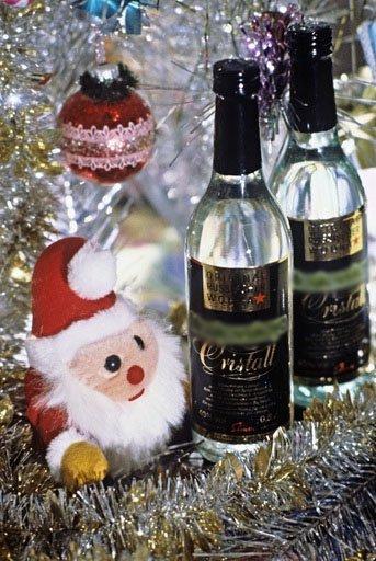 Au fur et à mesure, l'association de l'alcool et de l'eau est devenue de plus en plus populaire non seulement en Russie, mais aussi à l'étranger.